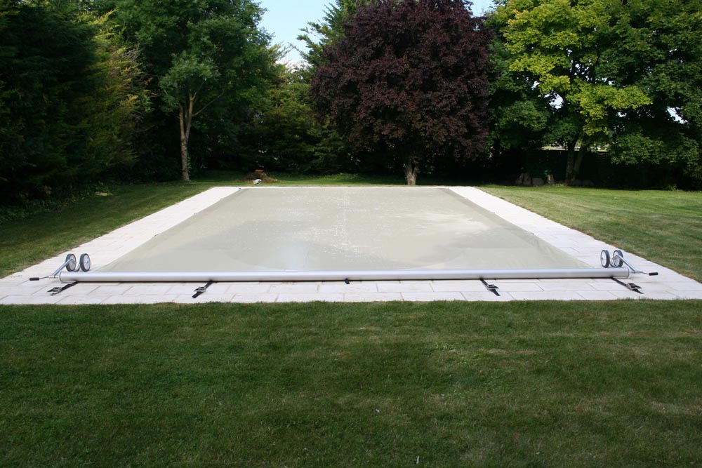 Montage b che la b che piscine r volutionnaire acheloos for Bache piscine