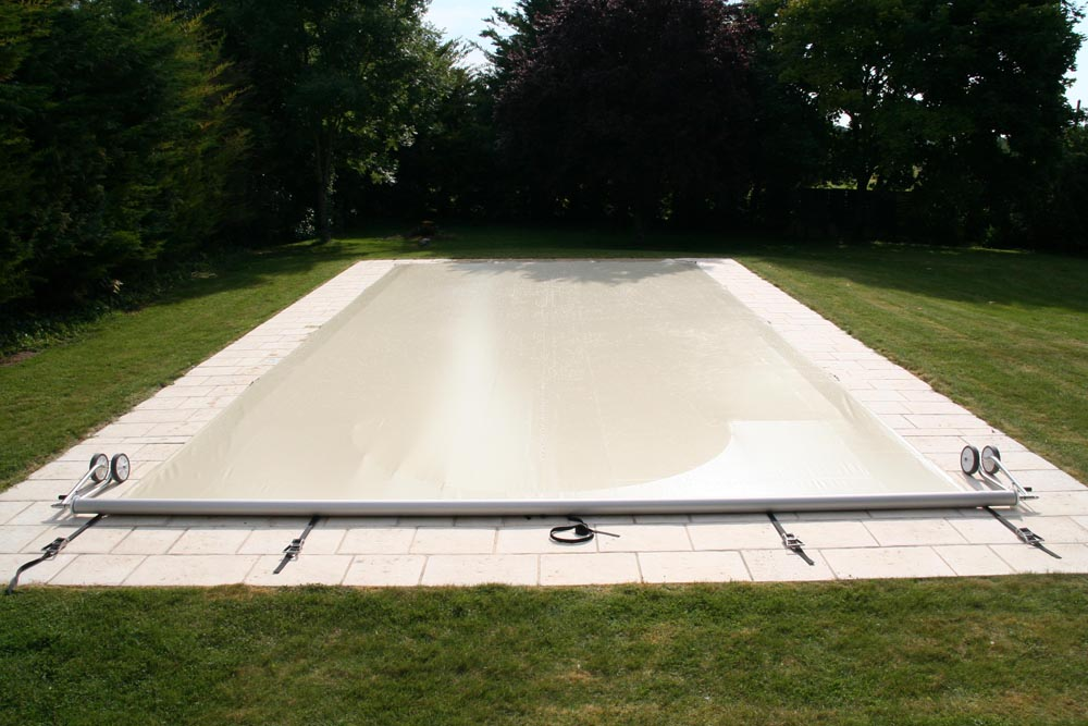 En savoir plus la b che piscine r volutionnaire acheloos for Bache piscine
